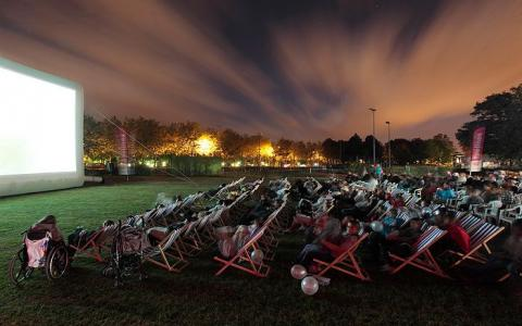Summer in Paris: sales and cinema to fill your days and nights
