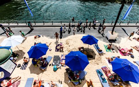 Paris Beaches, outdoor swimming pools: long live the summer!
