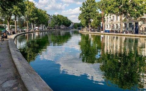 Take a cruise on the Canal Saint-Martin!